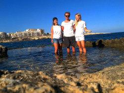 Vincent Weynans (Mitte) auf Malta © Weynans