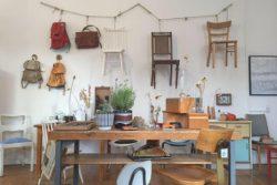 Hanna Hüttepohl läd am Wochenende in ihr kleines Geschäft »Patina« mit liebevoll restaurierten und aufpolierten Möbeln aus zweiter Hand ein – bei Kaffee und Kuchen, frischen Waffeln oder Plätzchen. (Foto: Patina)