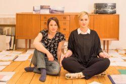 Die beiden Gründerinnen von »Treibsand Film«, Kim Münster und Luiza Budner. (Foto: Süleyman Kayaalp)